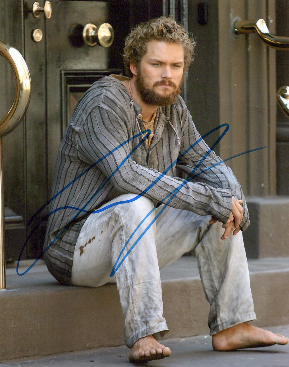 Finn Jones Original Autogramm auf Foto 20x25cm - Iron Fist