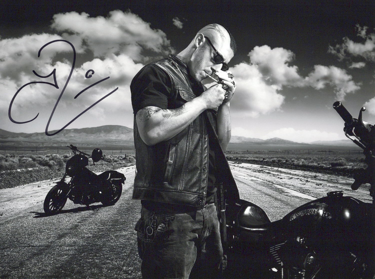 Theo Rossi Original Autogramm auf Foto 20x25cm  - Sons of Anarchy