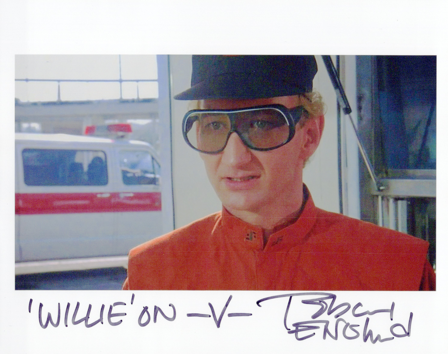 Robert Englund Original Autogramm auf Foto 20x25cm  - V the Visitors